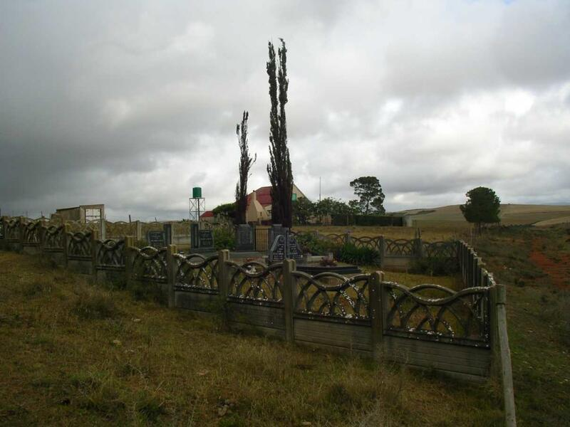 3. Overview of graves on the farm of Johnny Oosthuizen, Albertina